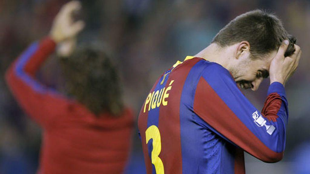 El central culé, Gerard Piqué, abatido tras perder la final ante el Real Madrid