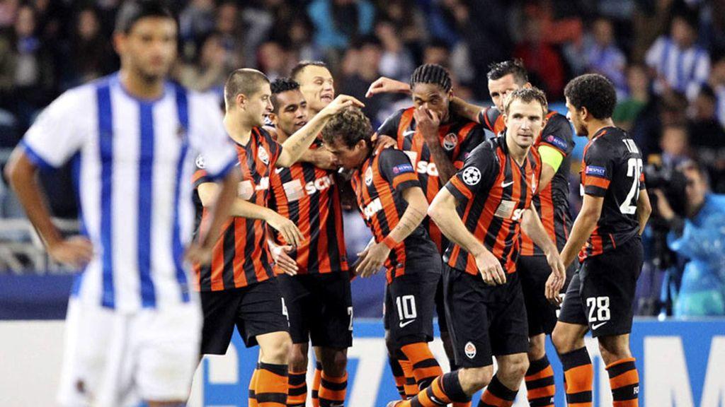 Dos destellos de Teixeira amargan el regreso de la Real a la Champions