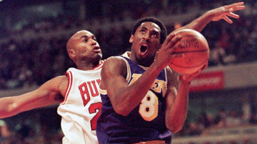 Debutó en 1996 y llegó a meter 33 puntos ante los Bulls