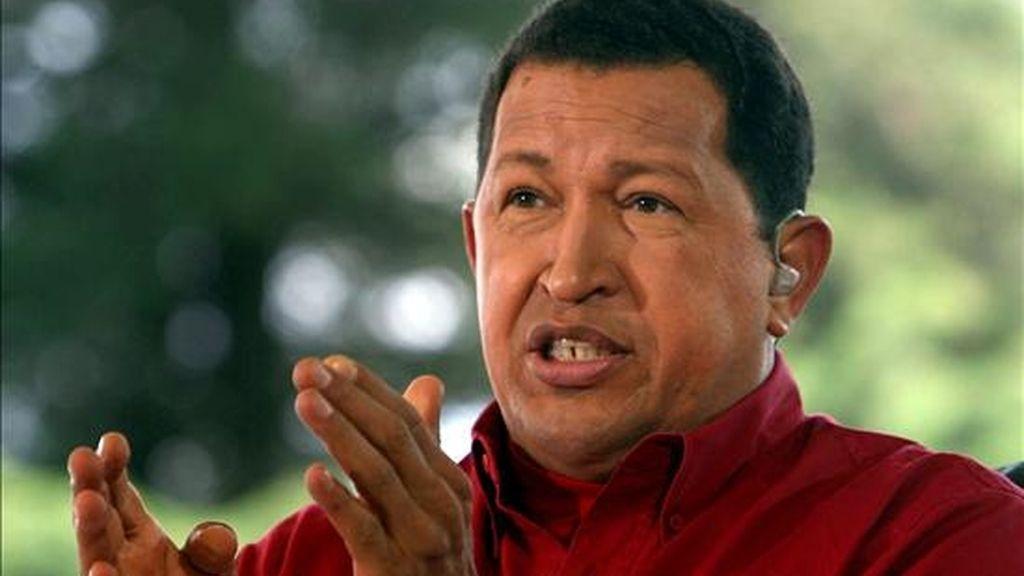 """Chávez agregó, haciendo suyas palabras textuales del líder cubano Fidel Castro de hace tres días, que las fuerzas """"contrarrevolucionarias"""" venezolanas buscan distanciar a los civiles de los militares. EFE/Archivo"""