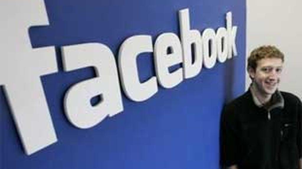 os motivos ofrecidos por Anonymous para llevar a cabo el ataque apuntan a que la red social viola la privacidad de los usuarios. FOTO: Archivo