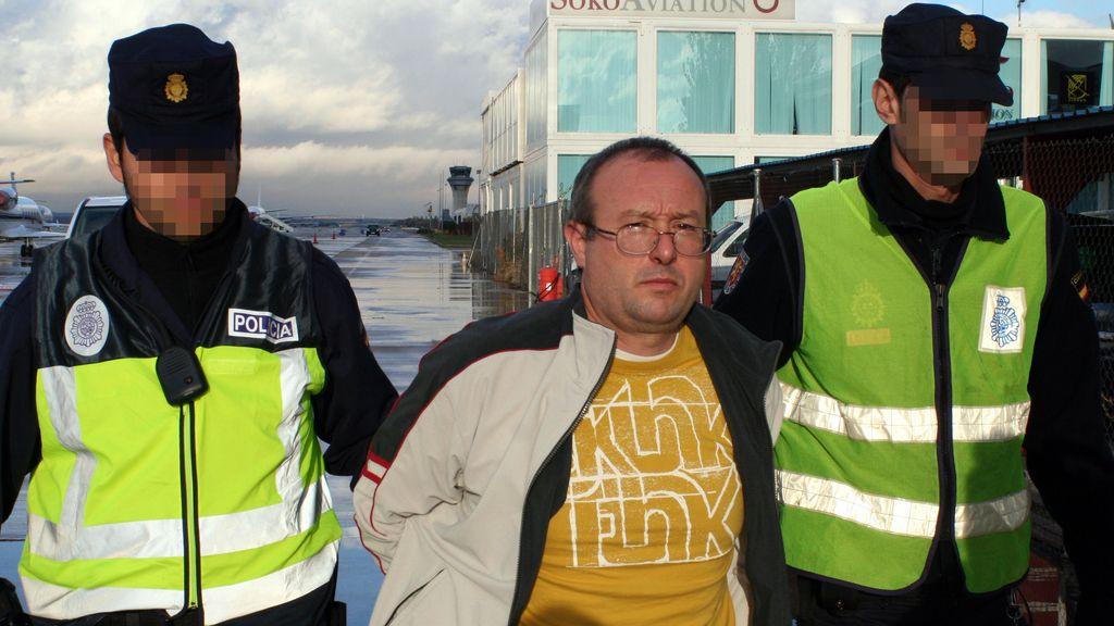 Las huellas de Juan Ramón Carasatorre no fueron comparadas en instrucción con las halladas en hasta cinco vehículos empleados por los autores del ataentado.