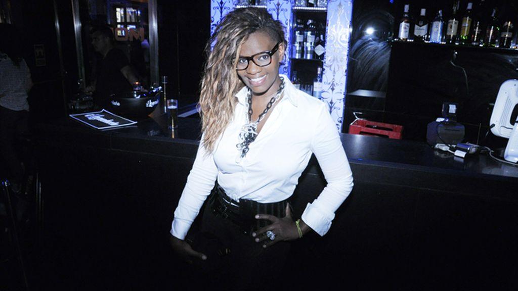 La televisiva Carolina Sobe fue otra de las invitadas en la discoteca MOMA