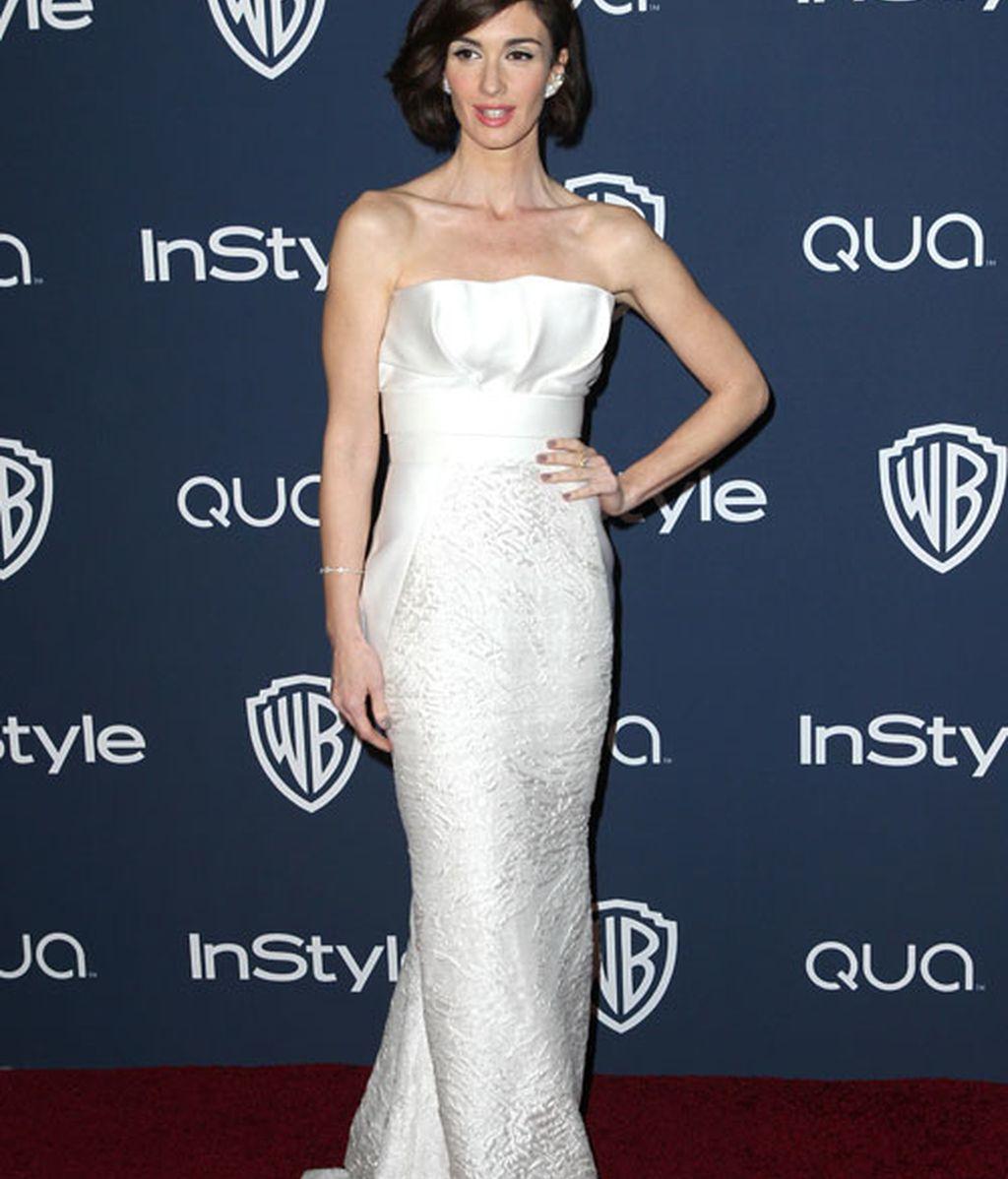 Paz Vega con nuevo look, con un vestido blanco con escote palabra de honor