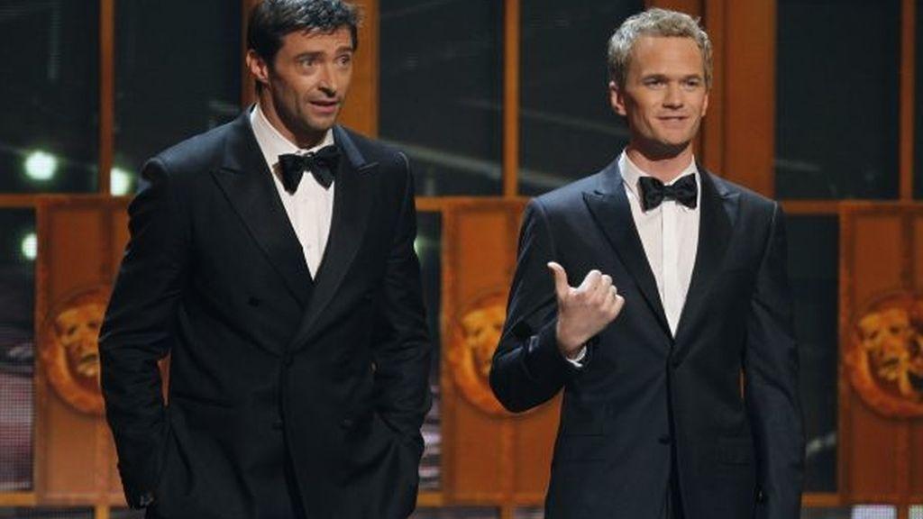 Hugh Jackman, junto a Neil Patrick Harris durante la gala