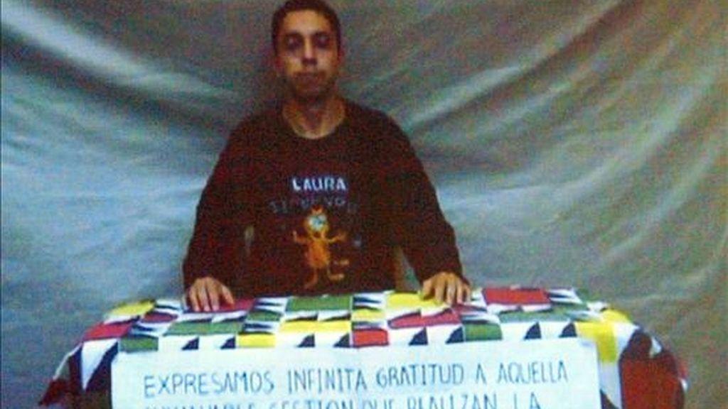 Prueba de vida del cabo Pablo Emilio Moncayo Cabrera, secuestrado por las Fuerzas Armadas Revolucionarias de Colombia (FARC), quien sería liberado, según un anuncio de esa guerrilla. EFE/Archivo