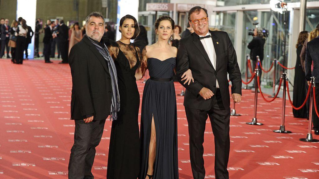 El director de cine Benito Zambrano y las actrices Inma Cuesta y María León