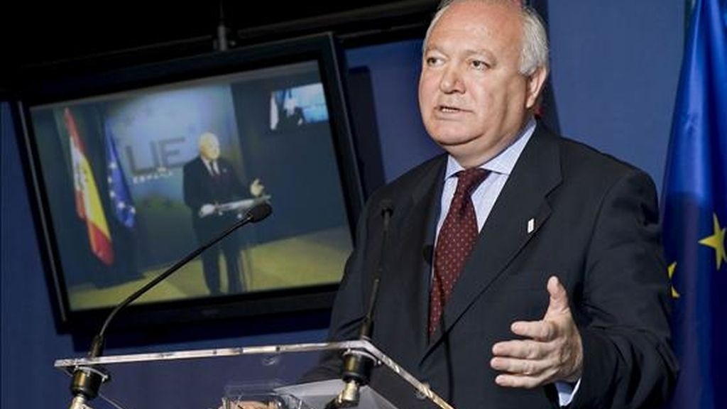 """España ha pedido a los países de la UE que llamen a consultas a sus embajadores en Honduras de forma """"urgente"""" para mostrar la """"firmeza"""" en la condena del golpe militar que ha forzado la salida del país del presidente, Manuel Zelaya. EFE/Archivo"""