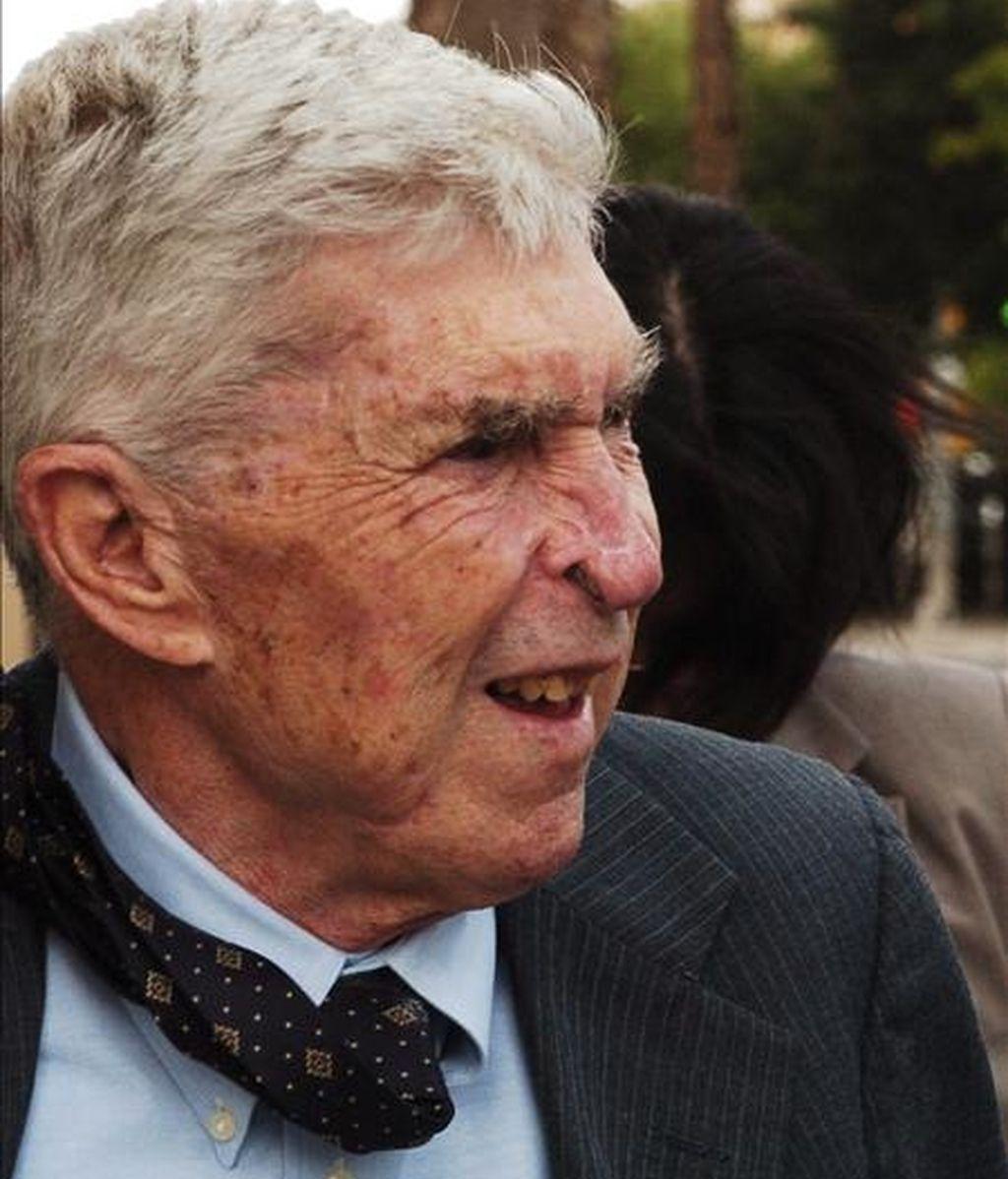 Foto del 8 de mayo de 2007 del anticastrista Luis Posada Carriles saliendo de una audiencia de la Corte Federal de El Paso. EFE/Archivo
