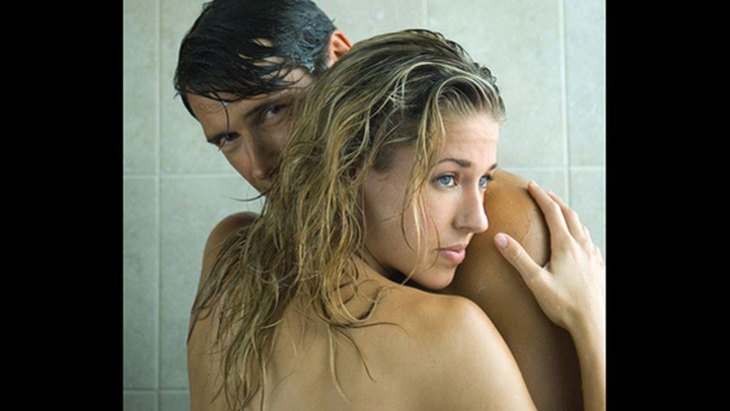 ¿Somos más de ducharnos en pareja... o solos?