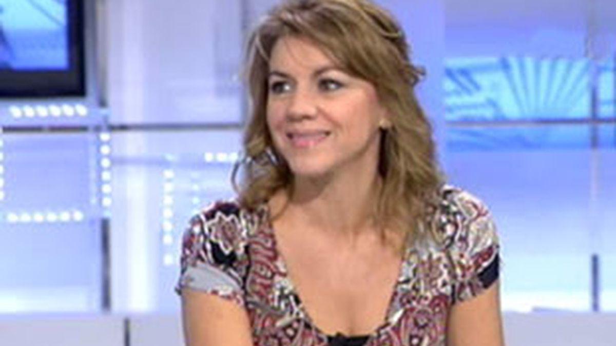 La secretaria general del PP, María Dolores de Cospedal, durante la entrevista en el Informativo Matinal. Vídeo: Informativos Telecinco.