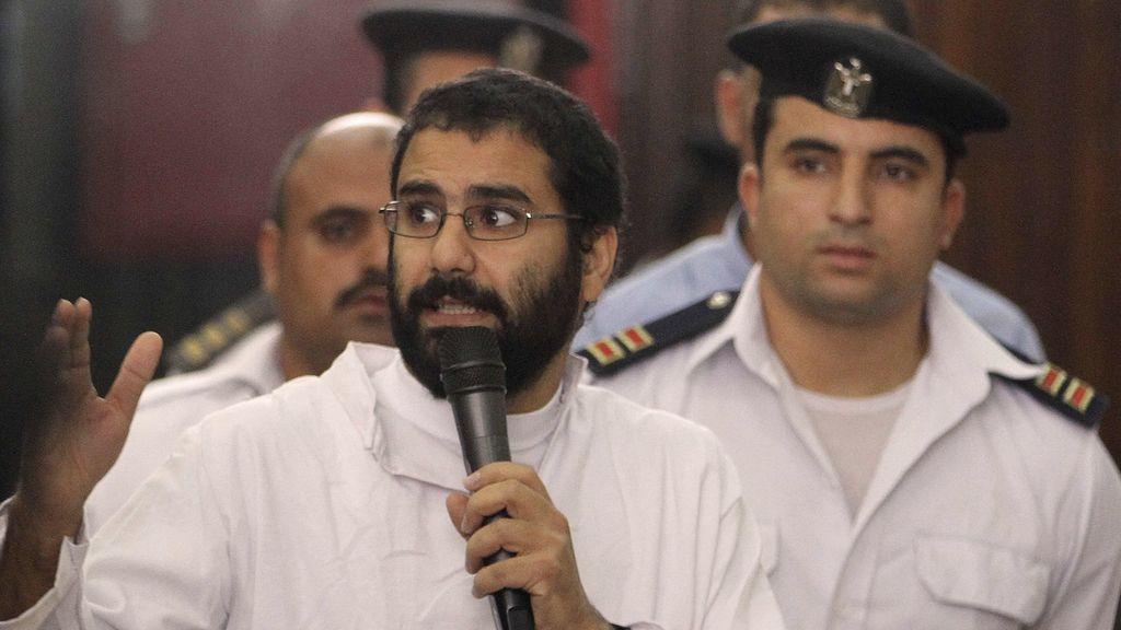Condenado a cinco años de prisión el activista egipcio Alaa Abdel Fattah