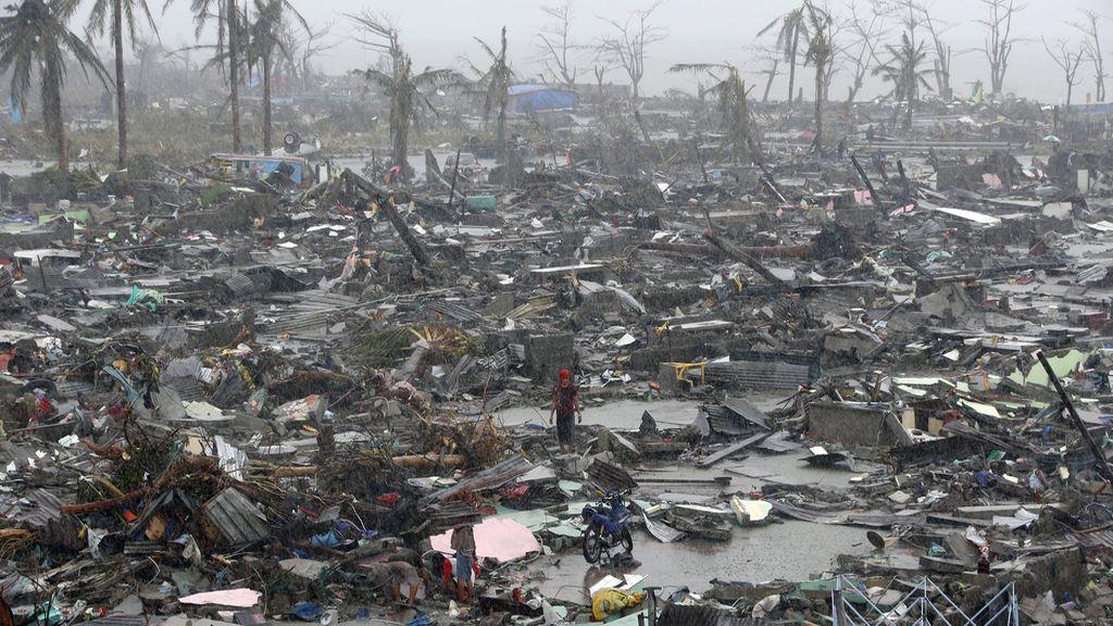 Devastación tras el paso de 'Haiyan'
