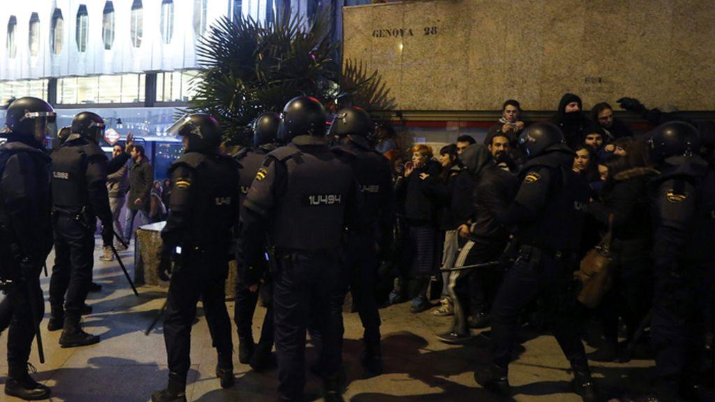 Maniestación en Madrid ante la sede del PP contra las obras en Gamonal