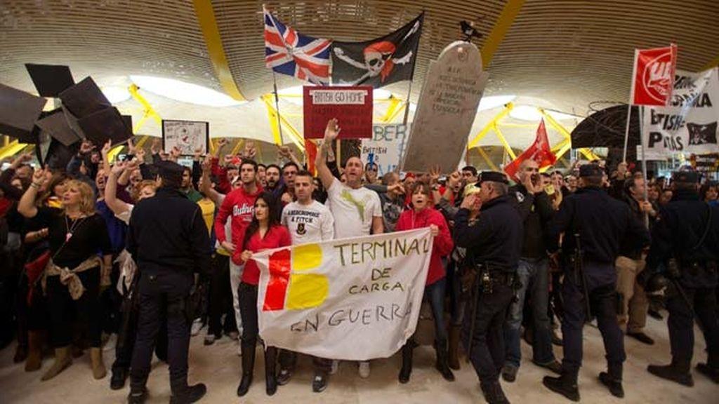 Trabajadores de Iberia mantienen la huelga