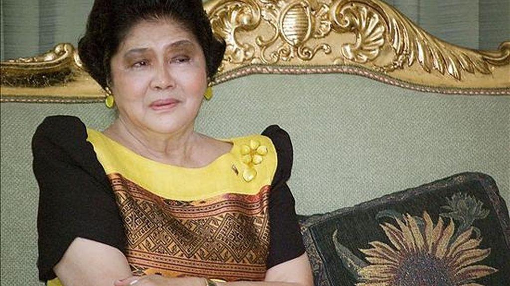 """Imelda Marcos, durante su entrevista con Efe, cuando va a cumplir 80 años, en la que lamenta ser una """"incomprendida"""" y no se arrepiente de ningún exceso durante las más de dos décadas en las que ella y su marido Ferdinand gobernaron con puño de hierro Filipinas. EFE"""