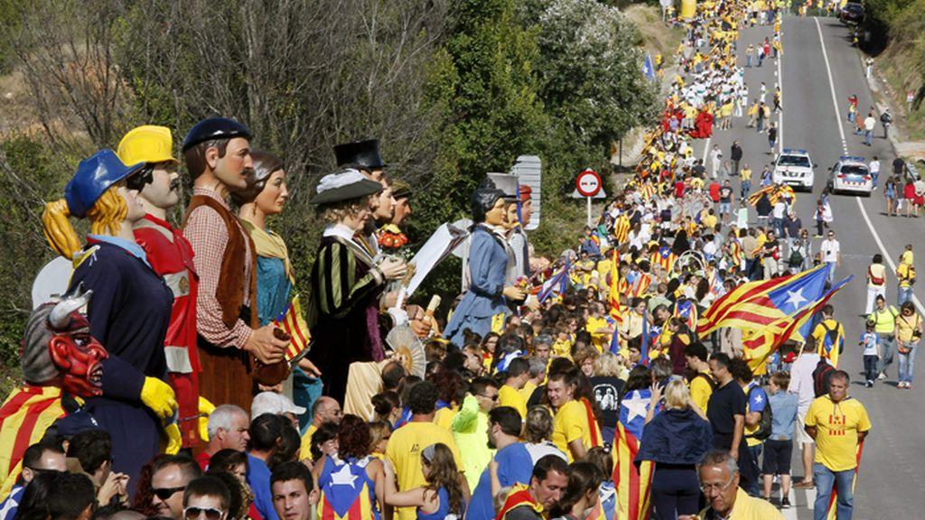 Vecinos de Avinyonet del Penedès y Cantallops se suman a la Vía Catalana