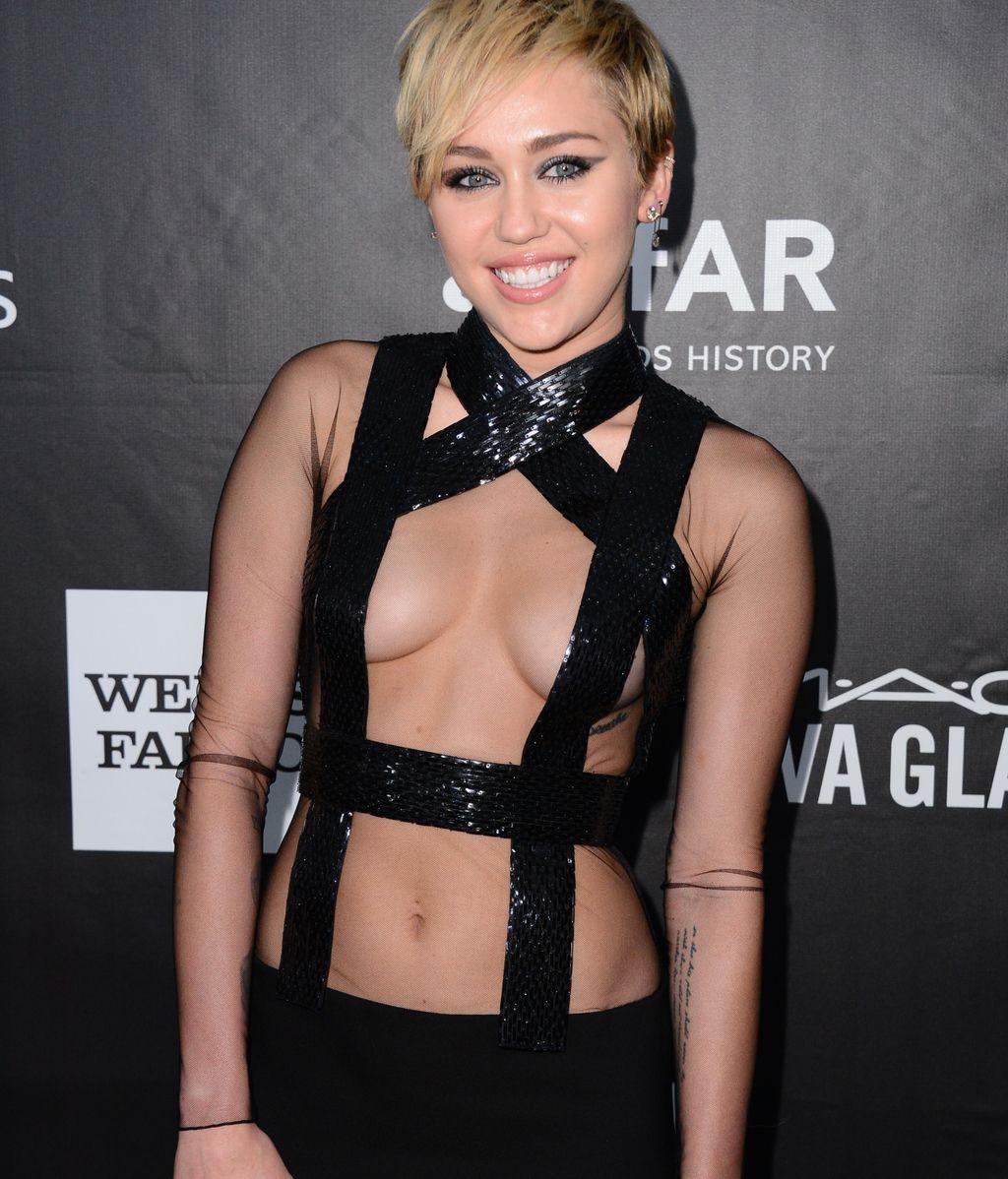 Miley Cyrus, ¿pecho nuevo?