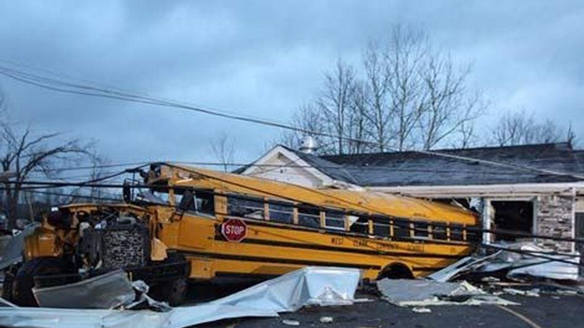 Destrozos de los tornados de EEU (EFE)