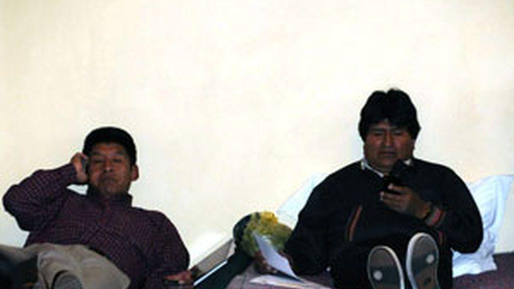 Imágenes de Evo Morales durante la huelga de hambre que inició para exigir la aprobación de la ley electoral. FOTO: EFE