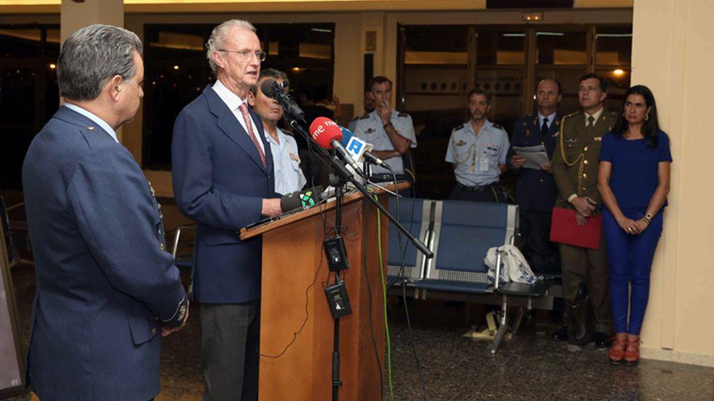 Morenés informa sobre el accidente de helicóptero en aguas del Atlántico