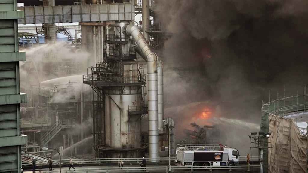 Incendio en la refinería de Repsol en La Coruña