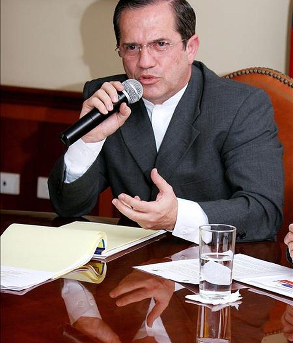 """""""Que los jueces involucren a quienes crean que tengan que involucrar"""", señaló el canciller de Ecuador, Ricardo Patiño. EFE/Archivo"""