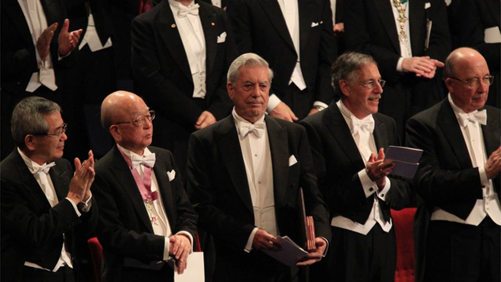 Vargas Llosa ya tiene el Nobel en sus manos