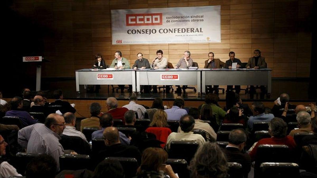 El secretario general de CC.OO, Ignacio Fernández Toxo (c) ha presidido esta mañana la reunión que ha celebrado el Consejo Confederal de esta central sindical en el auditorio Marcelino Camacho de Madrid. EFE