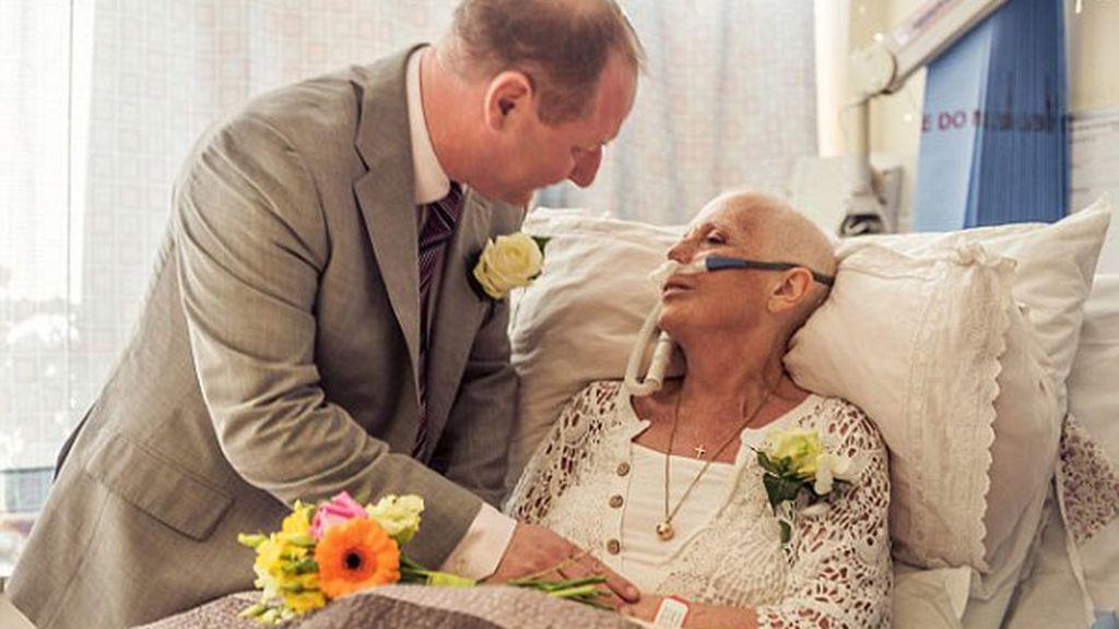 Conmovedoras fotos de una novia con cáncer pocas horas antes de su muerte
