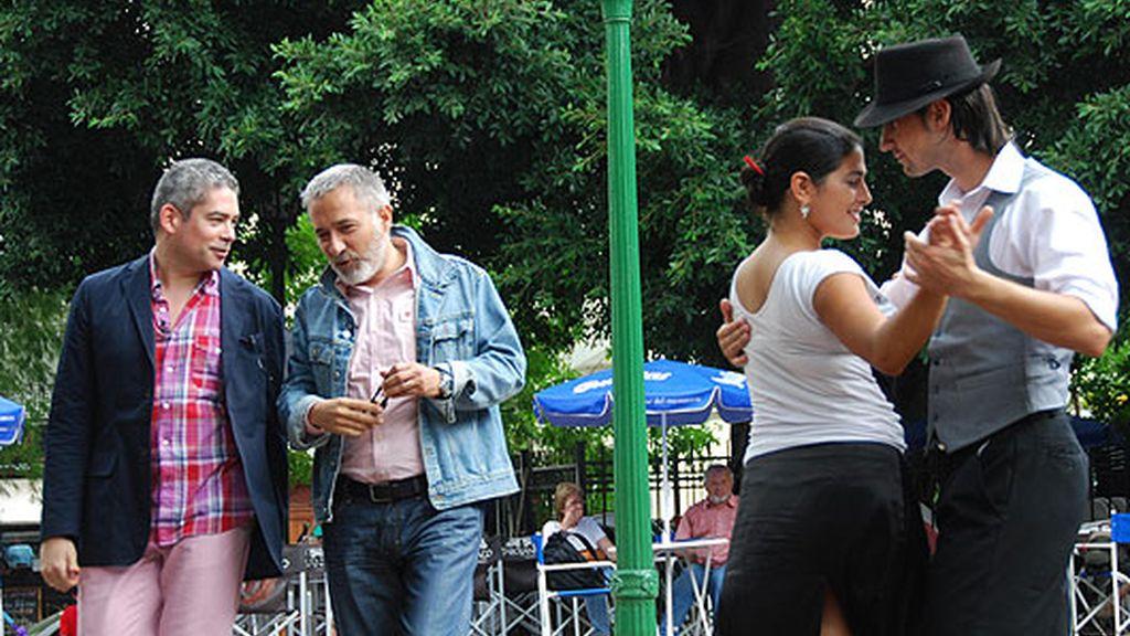Con Boris y Serrat a ritmo de tango
