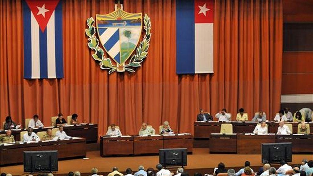 Vista general de la sesión plenaria de la Asamblea Nacional del Poder Popular (Parlamento), en La Habana (Cuba), que encabezó el presidente cubano, Raúl Castro (c). EFE