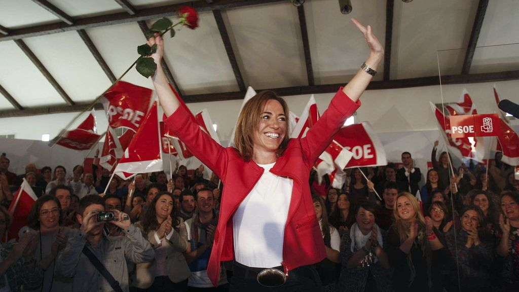 La candidata a la Secretaría General del PSOE, Carme Chacón, durante su acto de presentación en Olula del Río (Almería)