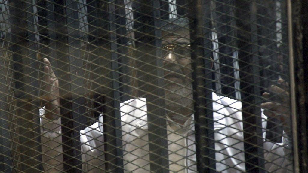 Aplazado el juicio contra Morsi