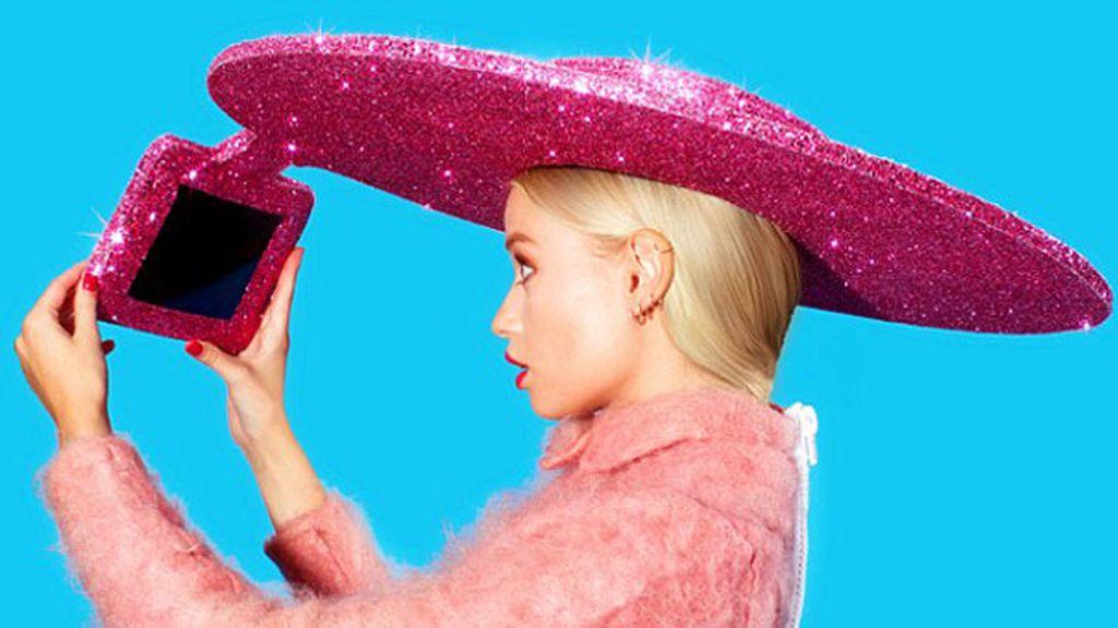 Crean un sombrero para hacer 'selfies'