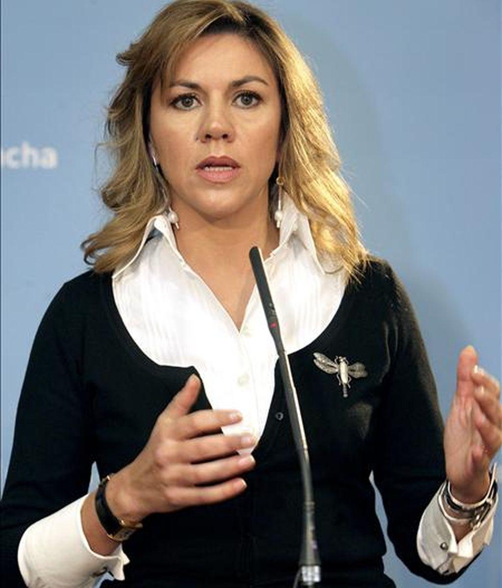 La secretaria general del PP, María Dolores de Cospedal, ha negado que su partido vaya a pedir la nulidad del caso Gürtel amparándose en la supuesta mala utilización del sistema de interceptación de comunicaciones SITEL y ha asegurado que ella es una de las afectadas por este sistema. EFE/Archivo