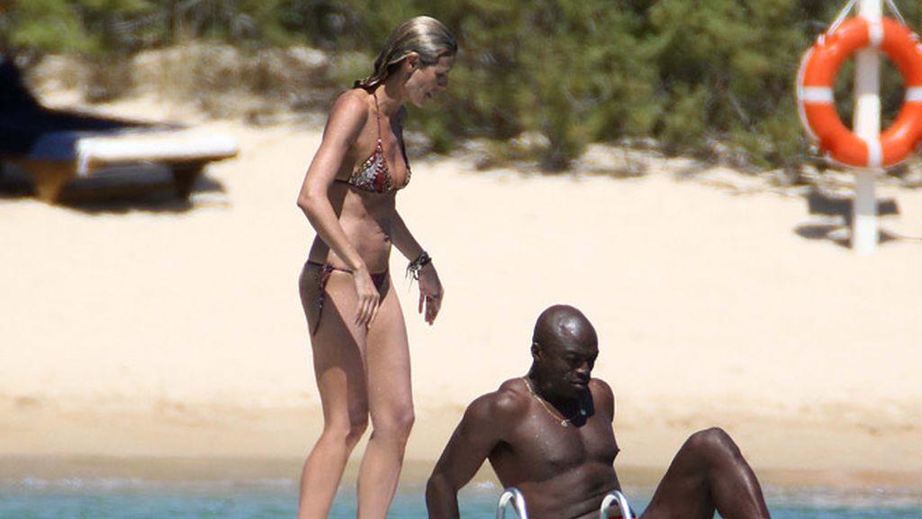 Seal, ya recuperado, hace escala con Heidi Klum en Cerdeña