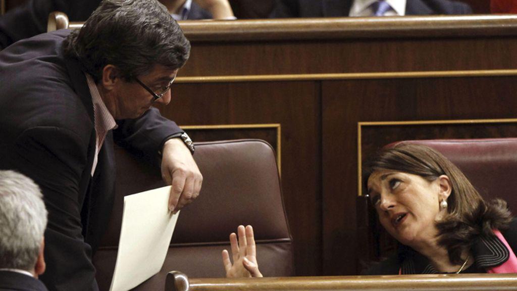 """El PP tumba las mociones sobre las """"mentiras"""" de Rajoy en el Pleno del Congreso"""