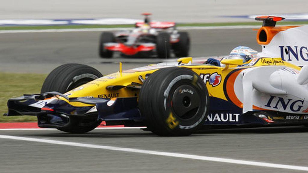 Alonso, cuarto en los primeros libres