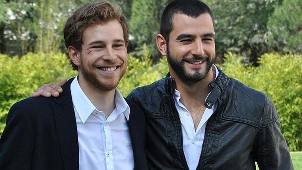 Antonio Velázquez y Álvaro Cervantes dan vida a los hermanos Torres