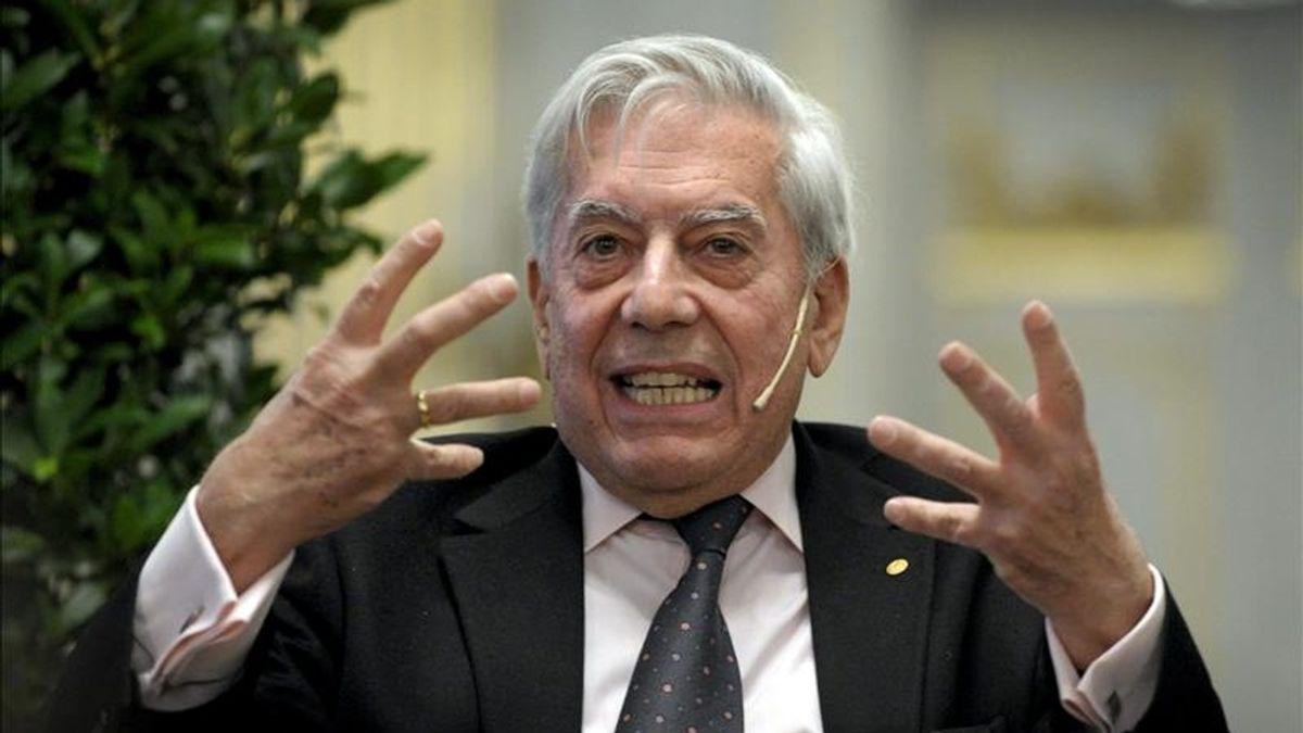 Vargas Llosa hizo esa afirmaciones en Punta del Este, el principal centro turístico uruguayo donde el jueves dio una conferencia para los clientes del grupo financiero suizo Julius Baer, según recoge hoy la prensa local. EFE/Archivo
