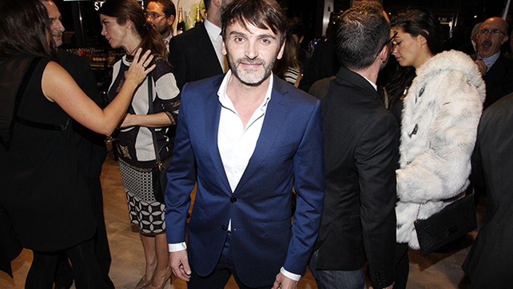 Fernando Tejero disfrutando de la fiesta, en la que pinchó el DJ Agustín Cascales