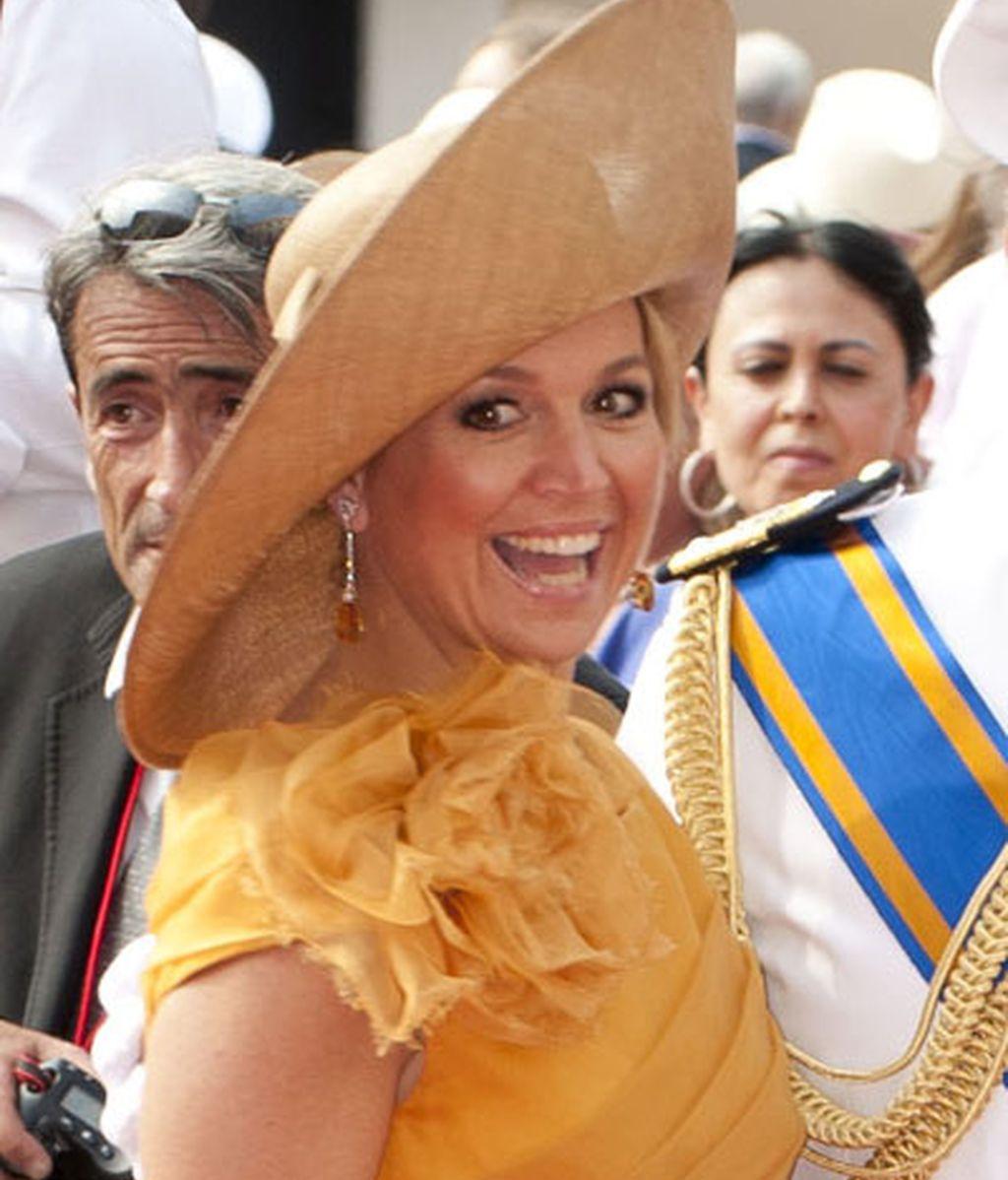 Máxima de Holanda, con una pamela marrón
