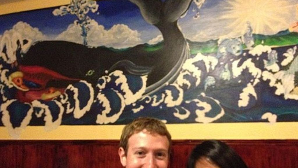 Zuckerberg, cazado en su propio Facebook