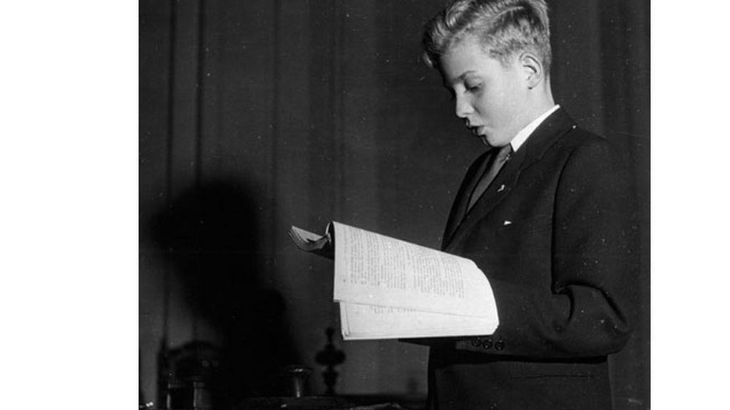 El Rey en una prueba de ingreso de Bachillerato en el Instituto San Isidro de Madrid