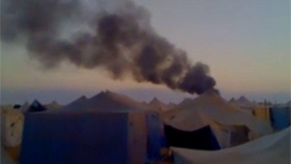 Las fuerzas de seguridad de Marruecos atacaron y rodeadon la capital del Sáhara Occidental, El Aaiún, después de desmantelar por la fuerza el campamento prosaharaui. FOTO: Informativos Telecinco