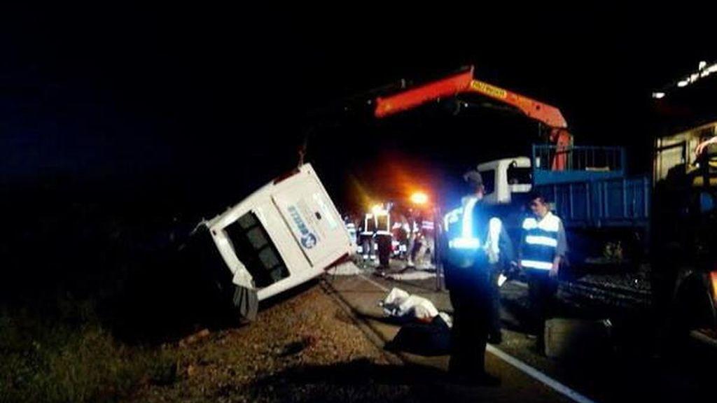 Un adulto y cuatro menores fallecen en un accidente de tráfico en Badajoz