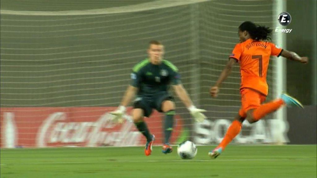 Holanda pudo sentenciar pero el portero alemán estuvo acertado.