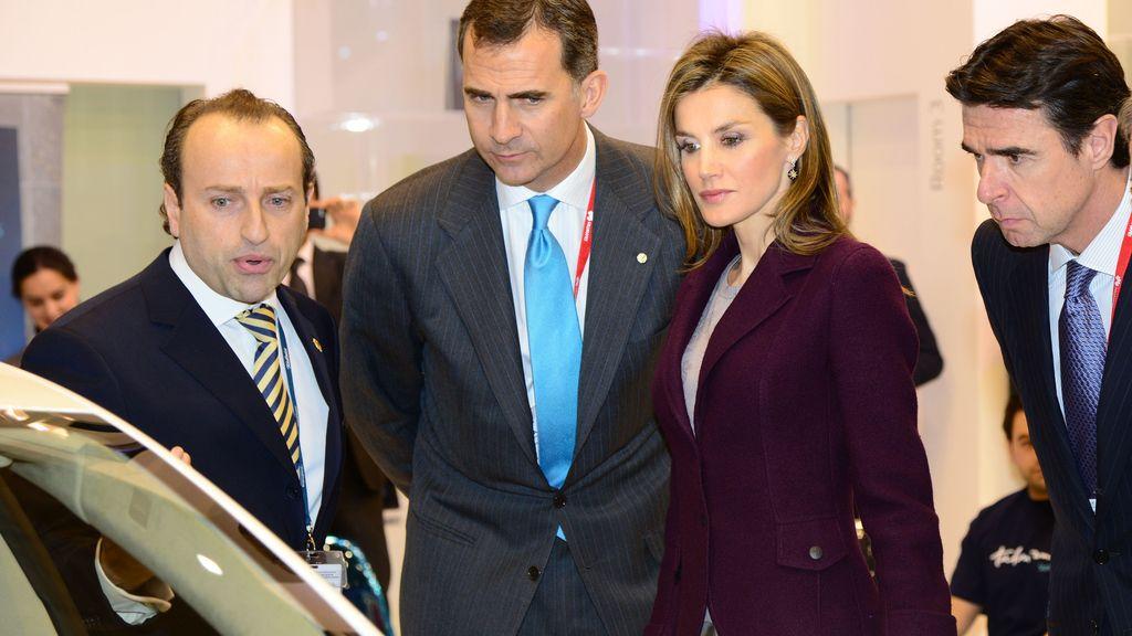Los príncipes visitan el Congreso de telefonía móvil