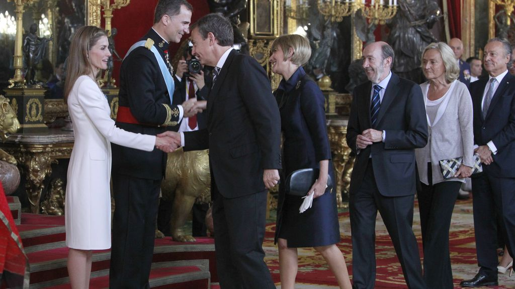 Zapatero y su mujer, Sonsoles, seguidos de Alfredo Pérez Rubalcaba